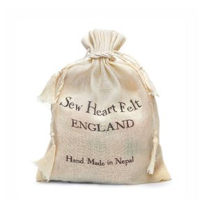 Geschenkverpakking voor een vloerkleed van Sew Heart Felt - My Little Carpet
