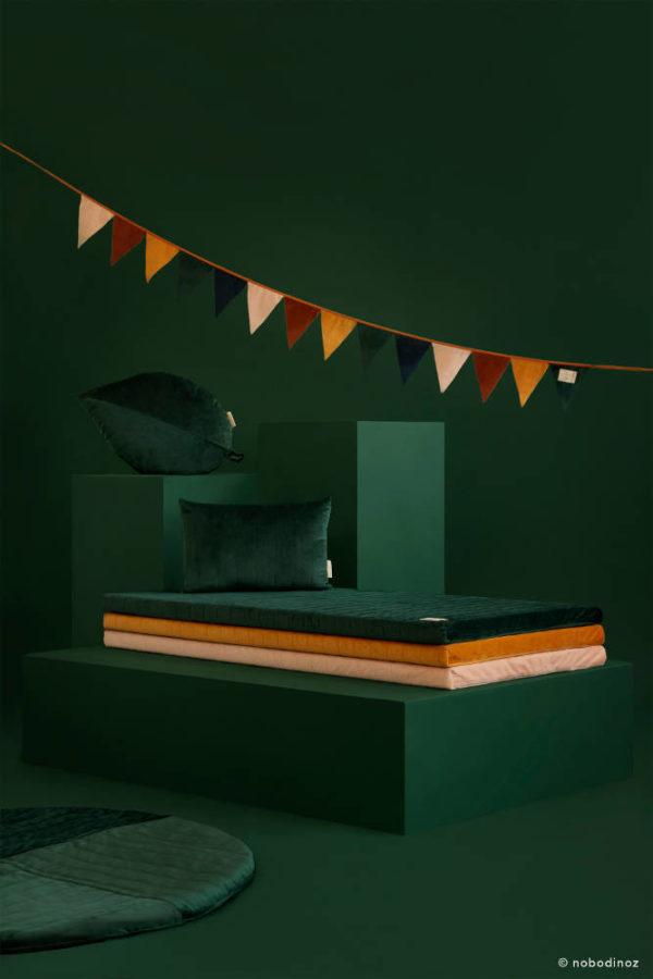 Speelkleed Kilimanjaro Velvet Jungle Green van Nobodinoz - My Little Carpet