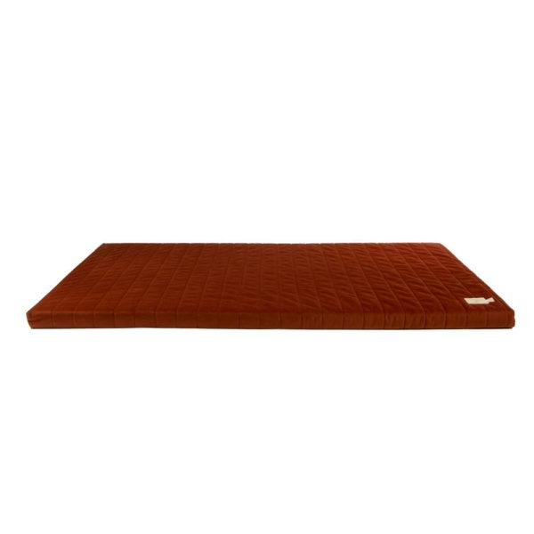Speelmatras Zanzibar Velvet - Wild Brown van Nobodinoz - My Little Carpet