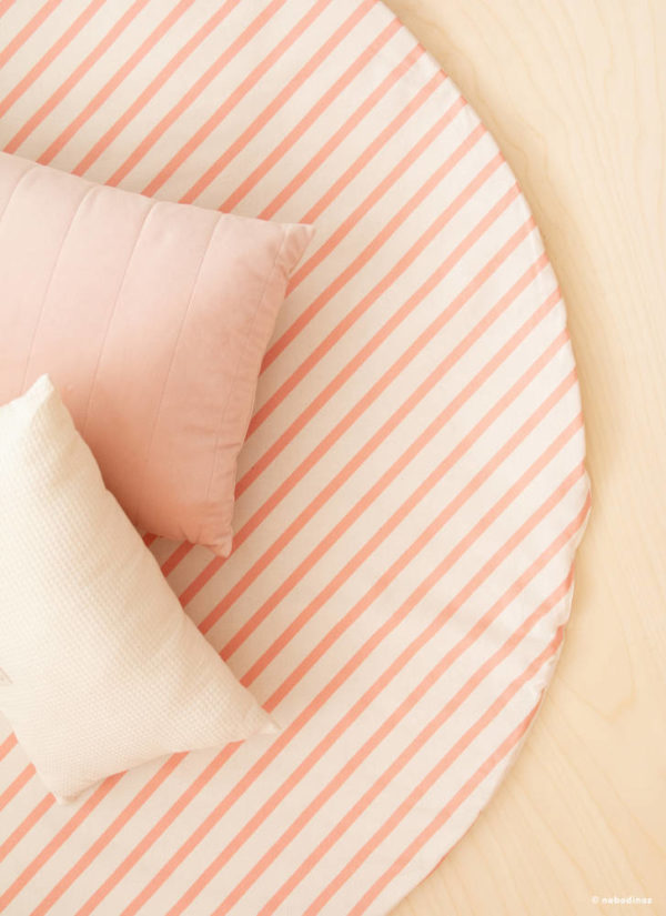 Speelkleed Full Moon Candy Pink Stripes van Nobodinoz - My Little Carpet