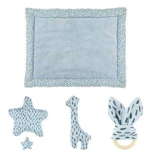 Combideal: Boxkleed + Muziekmobiel + Bijtring + Rammelaar, Blue Meadow van Trixie Baby – My Little Carpet