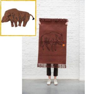 Combideal: Gebreid Vloerkleed Knitted Rug + Gebreid Knuffel Kussen, Truffle Pig van Trixie Baby – My Little Carpet