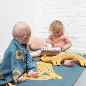 Vloerkleed Knitted Rug, Whippy Weasel van Trixie Baby – My Little Carpet