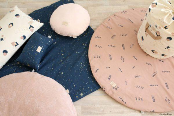 Speelkleed Colorado, Gold Stella Night Blue van Nobodinoz - My Little Carpet