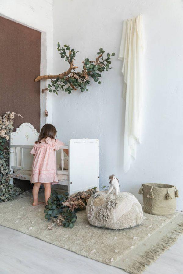 Vloerkleed Woods Symphony Olive van Lorena Canals - My Little Carpet