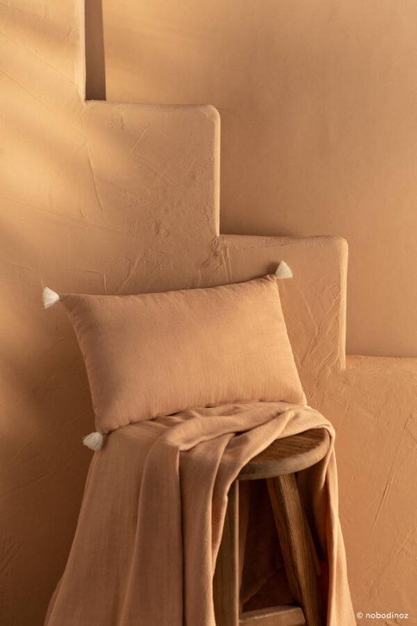 Kussen Sublim Nude van Nobodinoz - My Little Carpet